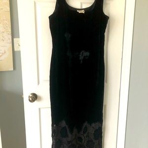 Ladies back velvet gown with lace trim